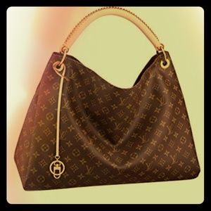 Louis Vuitton artsy purse